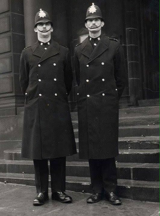 PC_Geoff_Baker_and_PC_Dennis_Tug_Wilson_when_joining_police_force[1].jpg